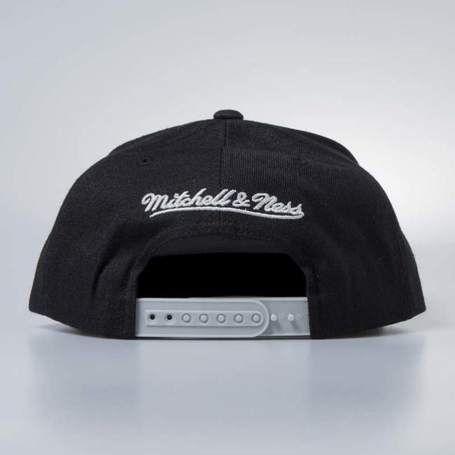 reputable site 408dc f2785 ... Mitchell   Ness cap snapback Chicago Bulls black Cracked Iridescent ...