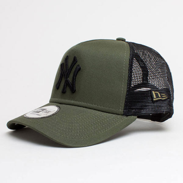 New Era 9Forty A Frame Trucker Cap Essential NY Yankees Army Green ... 8a4ad44f12a